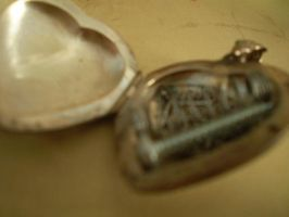 Locket of Inspiration by Cleverun