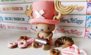 Chopper loves sweets! (Fimo) by NekoIsy