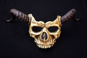 SKULL MASK with long horns in bone finish by Faust-and-Company