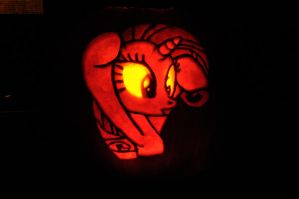 Rarity Pumpkin by archiveit1