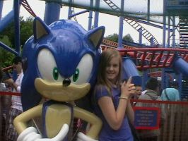 Sonic and Ami at Alton Towers by berrywhitesnow