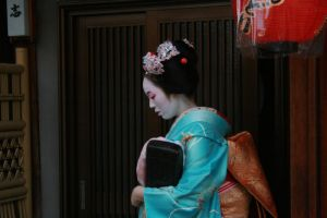 Japan: Maiko XII by mogwai-puant