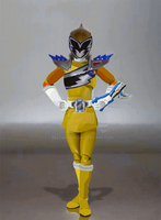 What-If - SH Figuarts Kyoryu-Gold (Female Version) by Zeltrax987
