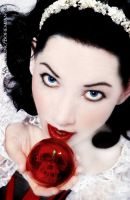 Once Bitten -ode to snow white by WanderingBohemian