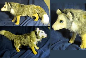 Arctic fox  soft sculpture by Jarahamee