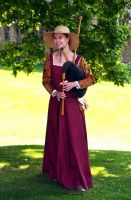 Medieval Musician at Kenilworth Castle (8) by masimage