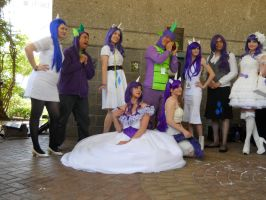 A-kon  23 MLP photoshoot : Rarity/Spike by SilverMousyPie