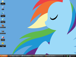 Rainbow Dash Desk by DJWill