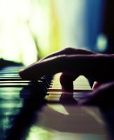 the pianist's hand by donnosch
