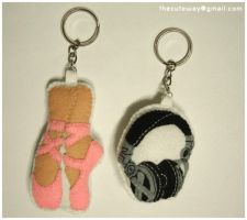 .:dance and music keychain:. by SaMtRoNiKa