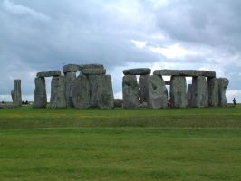 stone henge by loungefrog