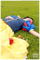Snow White - fall asleep by Safiriel