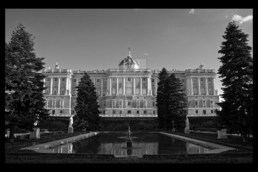 Royal Palace, Madrid by puzzled2007