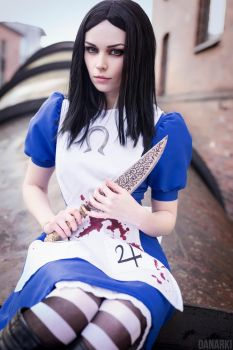 Alice Madness Returns by enjoithis