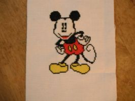 Mickey Mouse by dottypurrs