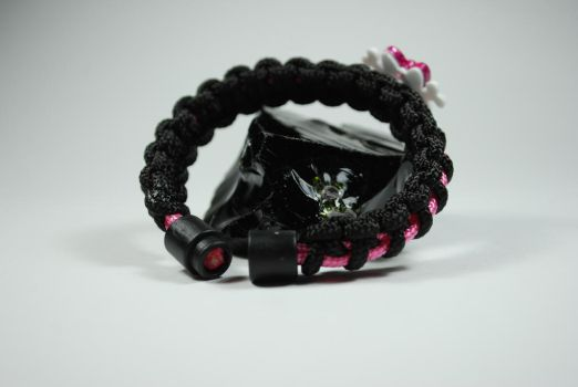 Cute Skull Bracelet (backside) by Shvide