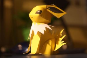 Jolteon Papercraft by eXaLpHaXe