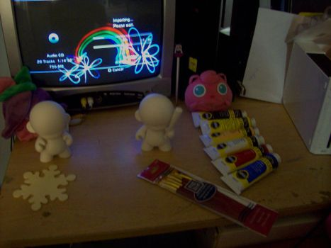 Munny Paint Area in my Room by chibi22
