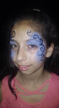 swirl face paint by funfacesballoon