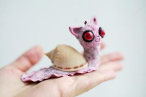 pink cat snail by da-bu-di-bu-da