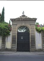 Florence gate by enframed