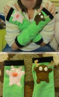 Gir Gloves (Piggy and Moose) by Like-a-Surr