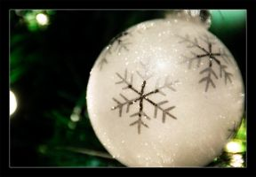 White Ornament 3 by keriwgd