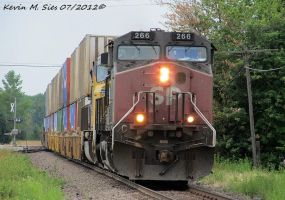 Southern Pacific 266 leads ZLDYC 12 St Elmo ILL by EternalFlame1891