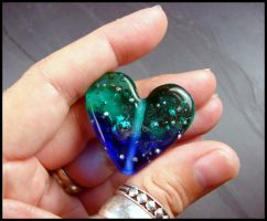 Heart of the Ocean - Glass Bead by andromeda