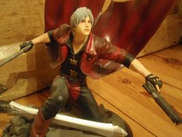 Devil May Cry Dante Statue 2 by AigisNoir