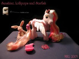 Sunshine, Lollipops + Starfish by natsaih