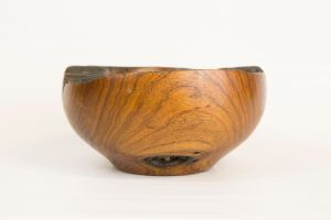 Untitled mesquite bowl (side view) by TokiiWorks