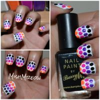 Dotted Nail Gradient by MishMreow