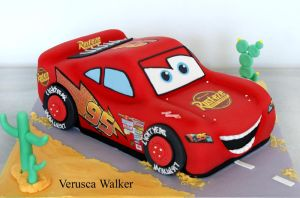 Racing Car cake by Verusca