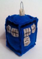 TARDIS plushie - Doctor Who by mcmuter