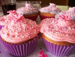 more cuppy cakes by Shimmerbrite