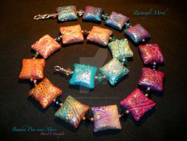 Zentangle Mood...Sq. Pillow beads by beadedpinsandmore