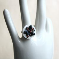 Mini Mussels Ring by MarthaLights