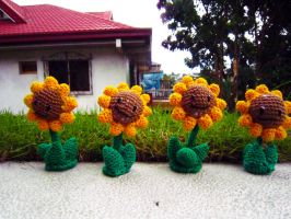 Plants vs Zombies Sunflowers by Nissie