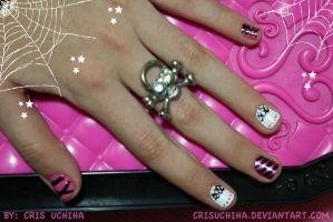 Draculaura Nails by CrisUchiha