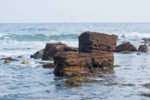 Waves and rocks 1 by svendo