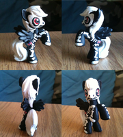 Pony Figures Commish: Bone Candy by Geistlicher
