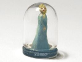 Tiny Elsa (glass) by Flocature