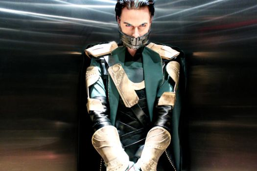 Loki Cosplay - Imprisoned by Aicosu