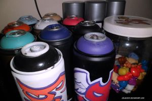 Cans custom Graffit by celaoxxx