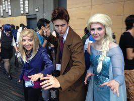 Queen Elsa, 10 and Rose - Otakuthon 2014 by Silyah246