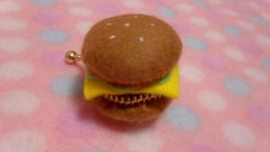 felt hamburger coin case (with tutorial) by minicuteclub