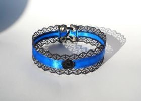 Gothic Choker with royal blue by Estylissimo