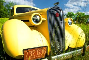 Yellow Buick by samkennedy