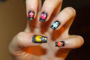 Pacman Nail Art by Persephone3333